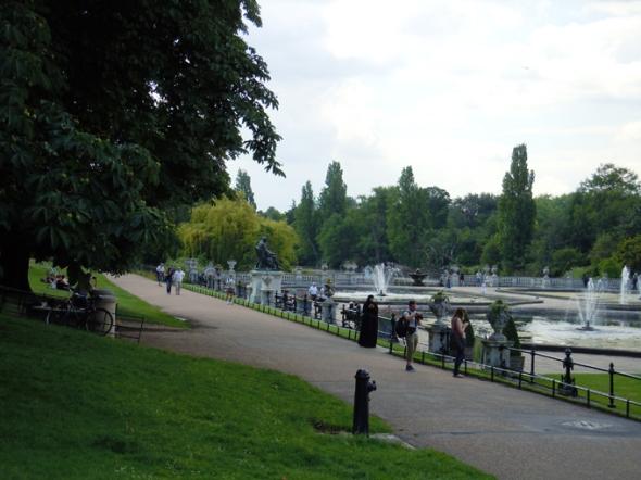 London kensington gardens palace dutch garden for Royal dutch gardens